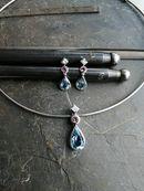 Anfertigung auf Kundenwunsch mit Aquamarinen, rosa Turmalinen und Diamanten im Princesscut